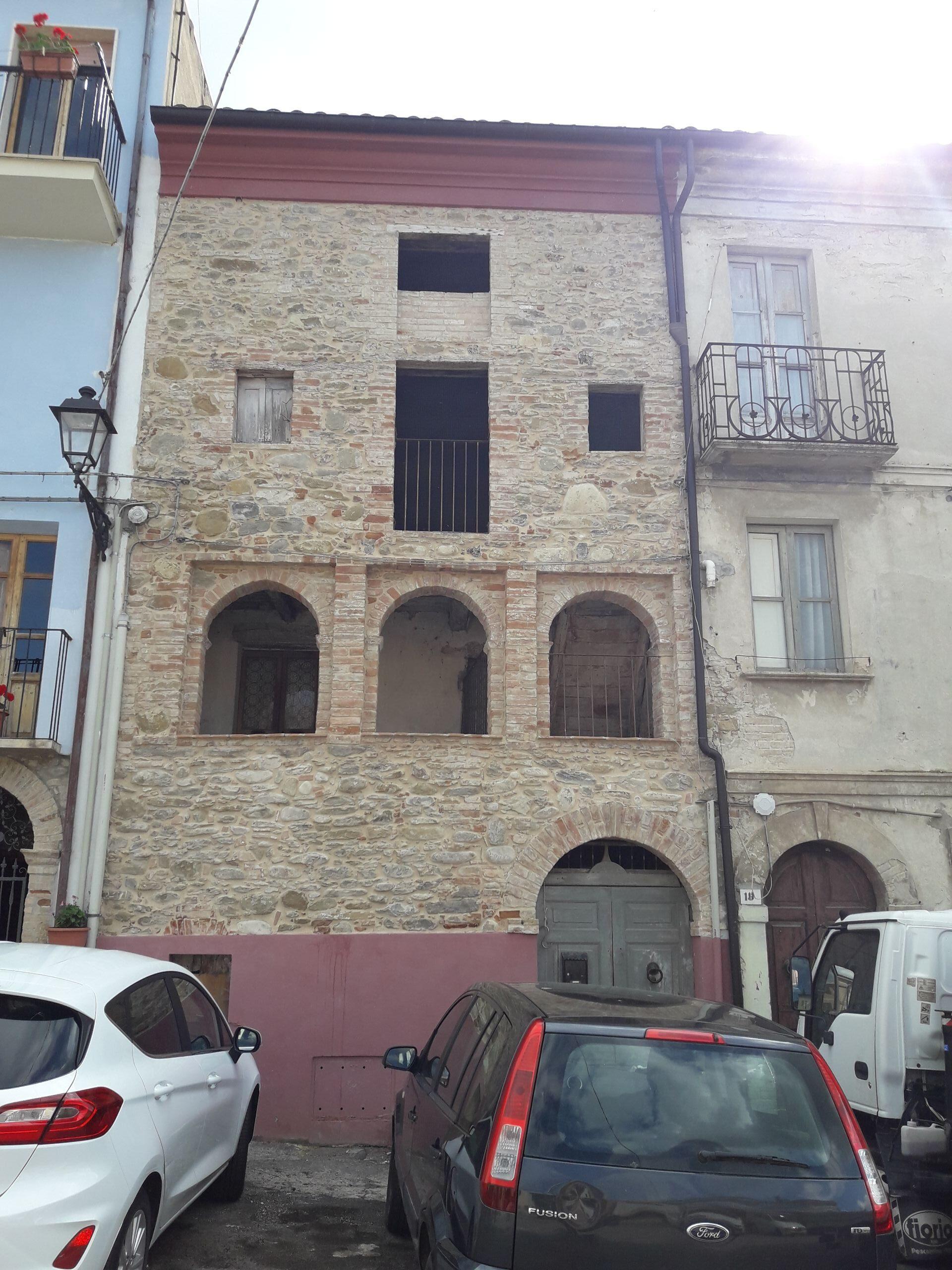 Palazzetto in piccolo borgo storico - Monti della Laga
